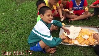 Bánh Mỳ Khổng Lồ Kẹp Kem - Cười Há Mồm Với Pha Phụ Lái Máy Xúc Của Mao Đệ