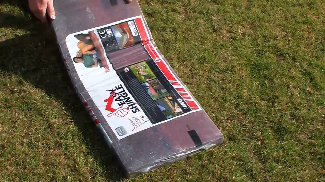 selbstbau wie easy dachschindeln verlegen auf ihr dach gartenhaus youtube. Black Bedroom Furniture Sets. Home Design Ideas