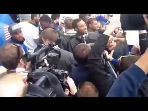 UK team greets fans at Blue Grass Airport