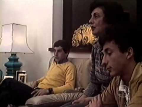 Ayrton Senna e a Mãe Neyde Senna Se Emocionam Ao Falar do Risco da F1