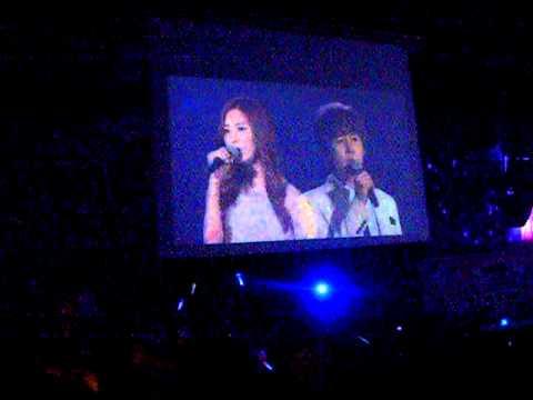 [Fancam] 110610 Seohyun & Kyuhyun - Way back into love @ SM Town Paris