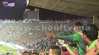 باطمان حاضر في مباراة الرجاء و الجيش وهاكيفاش تفاعلو معاه الجماهير الرجاوية |