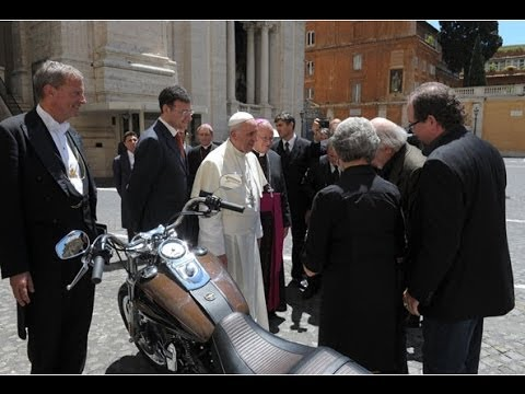 Pope Francis Auctions Signed Harley Dyna Gifted Hog pays it forward Proceeds to the poor