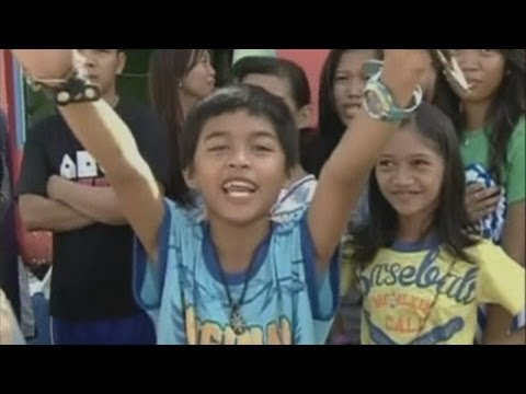 Children's fighting spirit in wake of Typhoon Haiyan in the Philippines