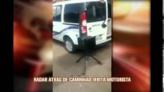 Motorista se revolta com radar escondido em avenida movimentada de BH