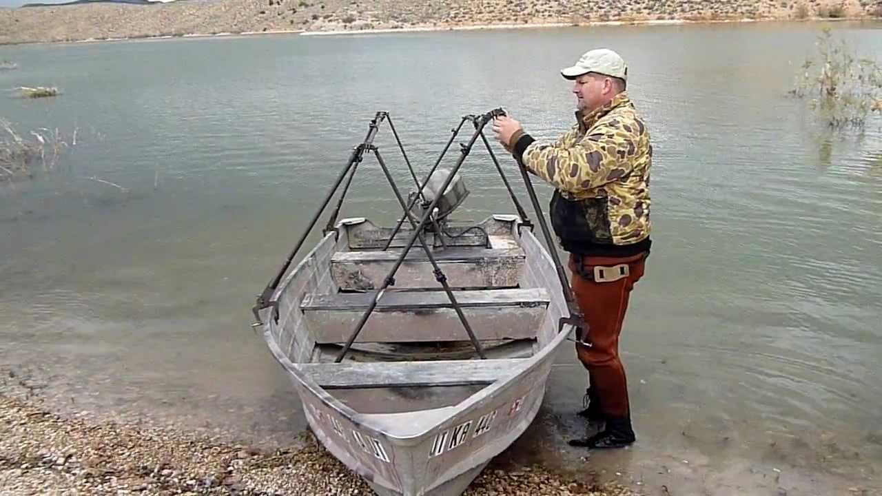 Adjust a blind unique hunting blinds boat blind for Unique deer blinds