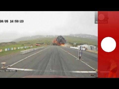 مشاهد تحطم طائرة في ايسلندا لحظة سفوطها