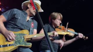 "Brad Paisley Live - Weekend Warrior World Tour 2018 - ""Last Time"" and ""Old Alabama"""