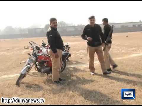Dunya News-Lahore police enjoyed wine destroyed on Customs Day