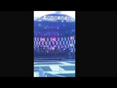 Pitbull rehearsal at Jimmy Fallon 6-19