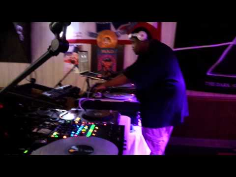 DJ Bruce Wonder - Live @ Roasted Cafe (7-19-2014) [720p HD]