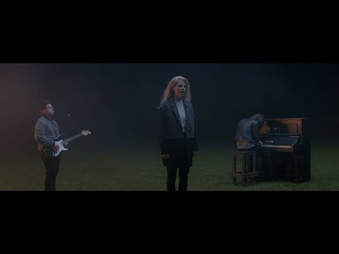 London Grammar - Nightcall (Official Video)