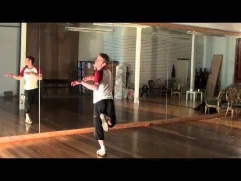 Michael Jackson Thriller Dance Tutorial 1/4 (Instructions for the 1st half)