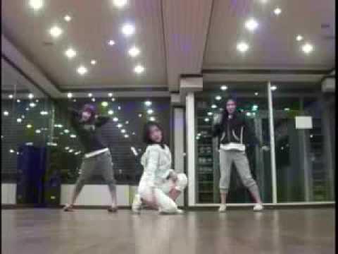 Park Shin Hye bailando 3