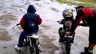 Niño de 3 años  motocross