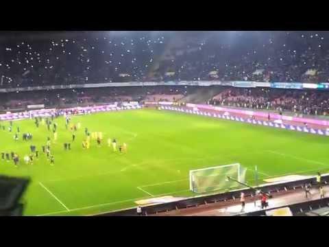 Napoli - Roma 3-0 fischio finale dalla curva A