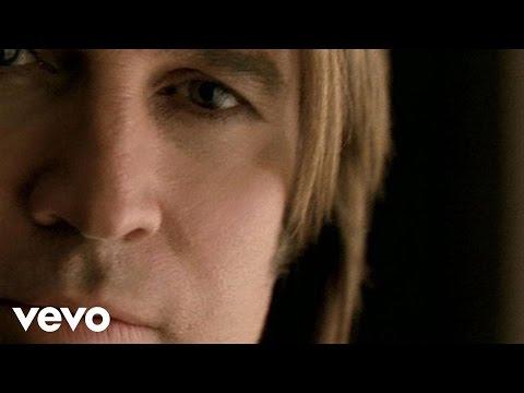 Смотреть клип Billy Ray Cyrus - Somebody Said A Prayer
