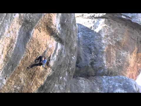 Sasha DiGiulian Escalando Aitzol, 8c, en España