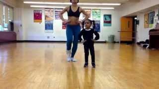 2 letnia dziewczynka i jej mama we wspólnej choreografii!!!