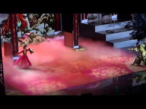 Bước nhảy hoàn vũ 2015 bán kết - Angela Phương Trinh - Kristian