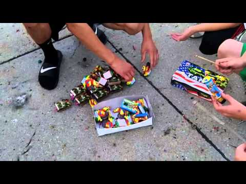 Super Awesome Extreme Huge Firework Tank Battle