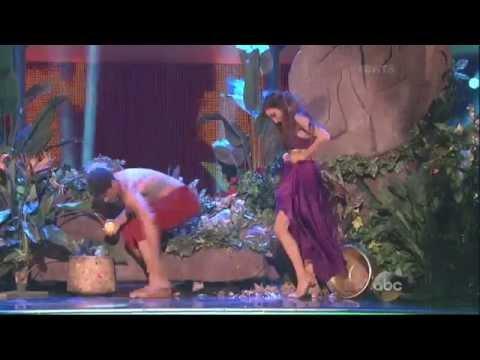 Maksim Chmerkovskiy & Meryl Davis dancing Samba on DWTS 4 14 14