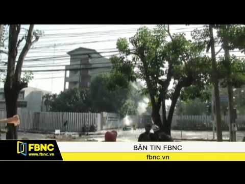 Xung đột giữa cảnh sát và người biểu tình Thái Lan