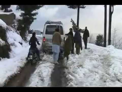 swat Malam jaba snowfall video report by niaz ahmad khan.flv
