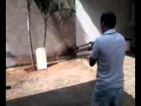 tiro com arma de pvc #2