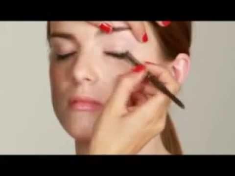 Video làm đẹp: Trang điểm mắt bằng bút chì