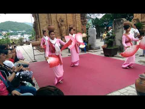 Điệu múa người chăm Ninh Thuận(Tháp Bà)