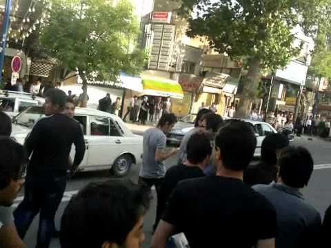 URMU GL QURUDULMASINA ETRZLAR-Protests in urmieh(urmu) 21 may 2012