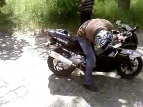 Honda CBR 600 F2 burnout