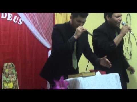 Darlan e Israel  cantando louvor historia do leproso de rick e renan