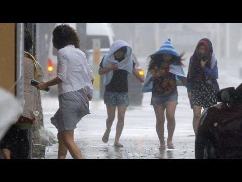 Japan: Powerful Typhoon Neoguri Lashes Japan's Okinawa Islands