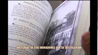 Professora lan�a em BH livros com hist�rias de moradores do Serro