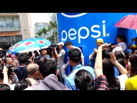 Chờ Ngày Mưa Tan - Pepsi Show