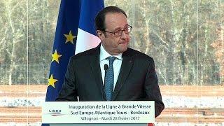 بالفيديو.. إطلاق نار بالخطأ خلال كلمة الرئيس الفرنسي فرانسوا هولاند وهذه هي التفاصيل |