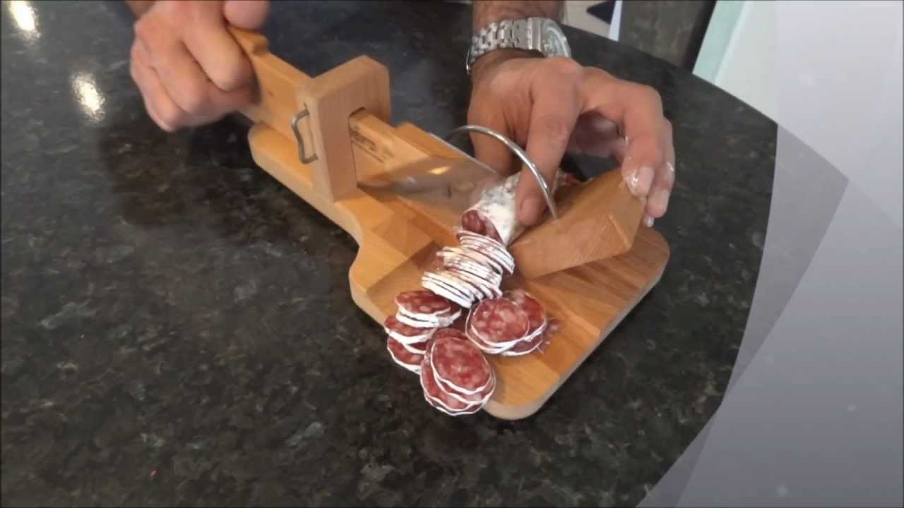 La guillotine saucisson so ap ro youtube - Machine a couper le saucisson ...