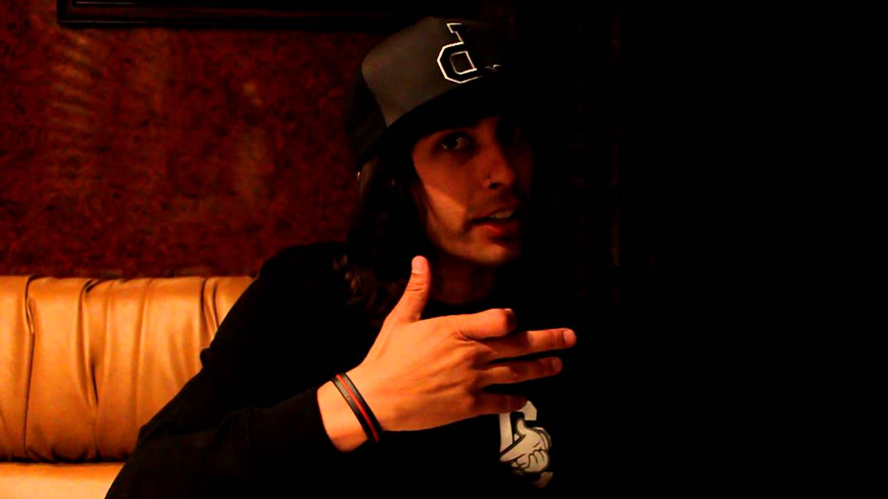Displaying 19 gt  Images For - Mike And Vic Fuentes Young   Vic Fuentes And Mike Fuentes Young