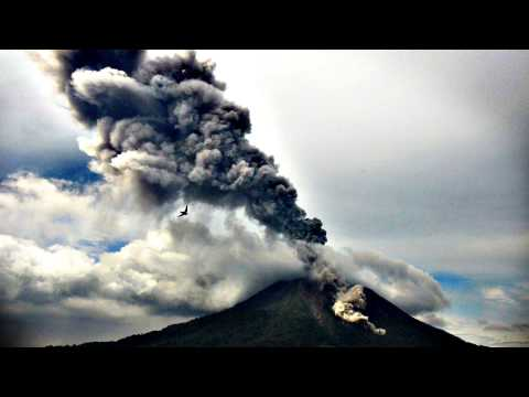 Eruption of Mount Sinabung, Indonesia, november 26 2013, Gunung Sinabung