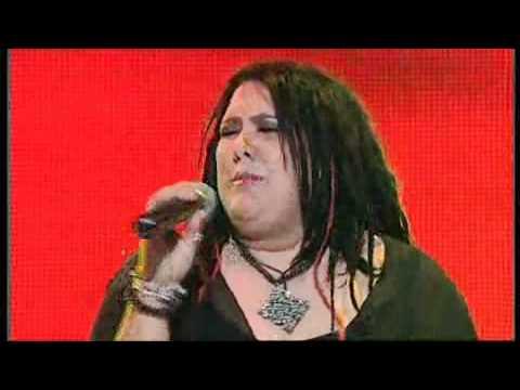 Casey Donovan performing The Flame on Australian Idol