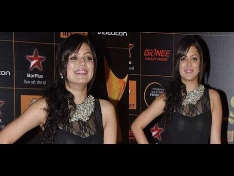 Bollywood Actress Drashti Dhami on The Red Carpet of 9th Renault Star Guild Awards