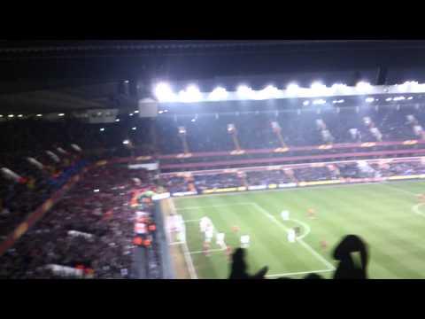 Tottenham 1 - Benfica 2: golo de Luisão no meio dos Bifes