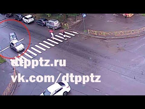 На Первомайском проспекте кроссовер протаранил легковой автомобиль