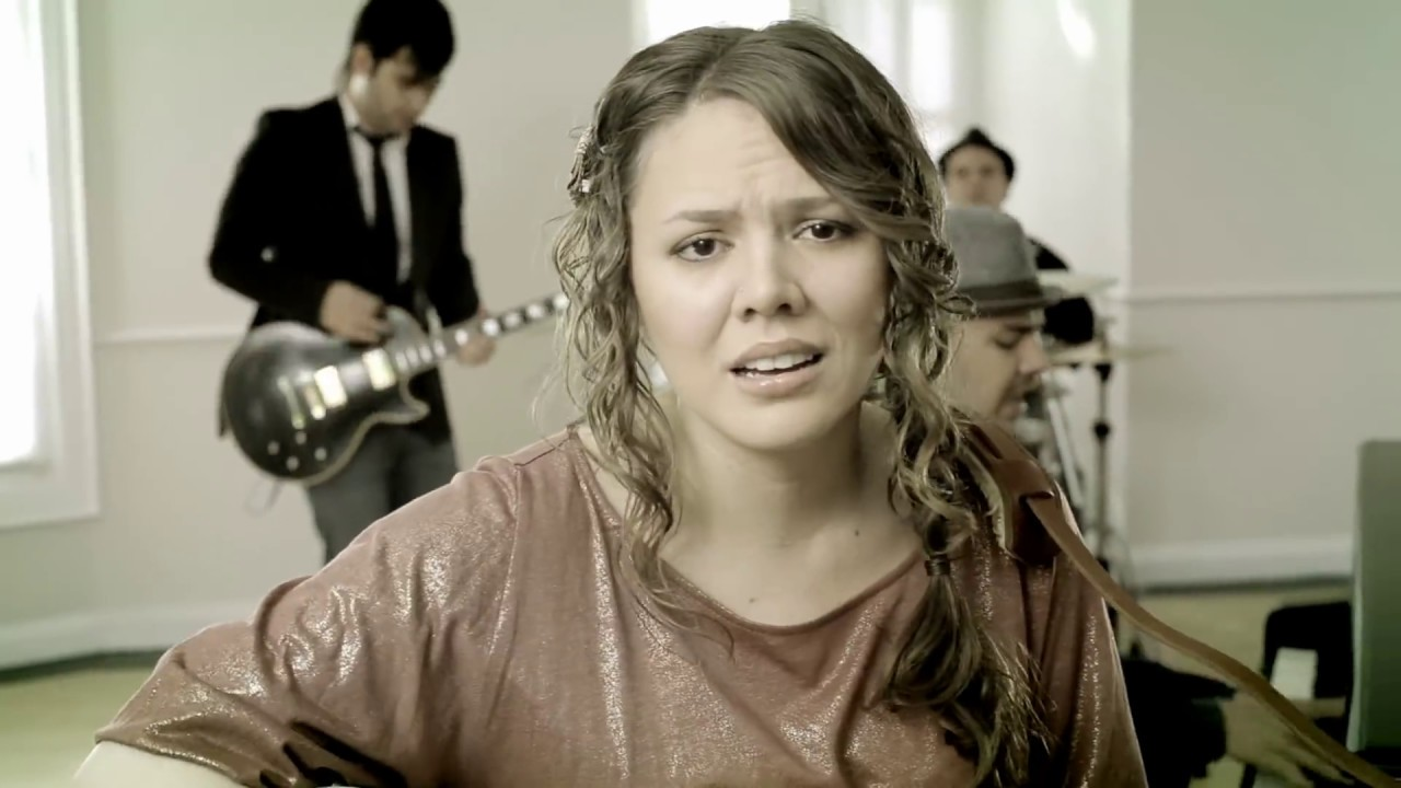 Jesse & Joy - ?Corre! (Video Oficial)
