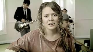 Превью из музыкального клипа Jesse и Joy - iCorre!