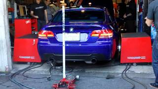 BMW 335i Dyno at HellaFlush Meet 2009 videos