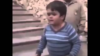 Atarli Küçük Çocuk