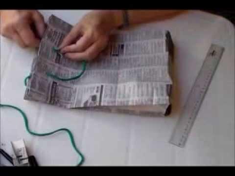 Bolsa de Diario reciclado para Regalo. RECICLADO Papel de diario. Christmas paper bag